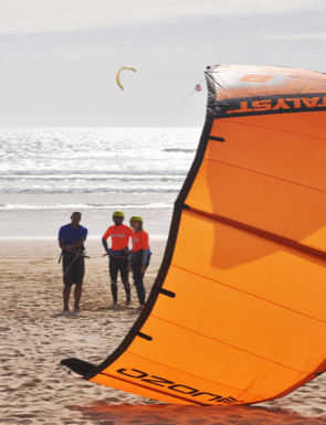 aula de grupo de kitesurf