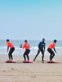 aulas de grupo de surf